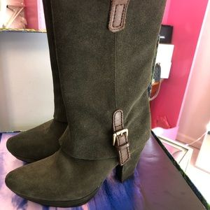 Earthies suede Boots size 6.5